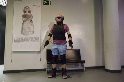 Imagen del traje simulador del envejecimiento